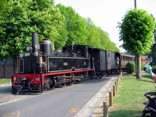 http://ferrocarrilespr.rogerseducationalpage.com/wp-content/uploads/2011/06/trenfrances2a.jpg